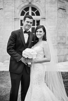 Ocean Cliff Rhode Island Wedding by Jaclyn L Photography.  The Well Groomed Groom - Wedding blog for the Sophisticated Groom