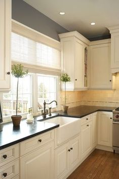 More ideas below: #KitchenRemodel #KitchenIdeas Modern Traditional Kitchen Design Ideas Small Traditional Kitchen Cabinets Rustic Traditional Kitchen Backsplash Remodel White Traditional Kitchen Table Decor Classic Warm Traditional Kitchen