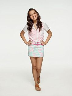 Girls Short Dresses, Girls In Mini Skirts, School Girl Outfit, Girl Outfits, Cute Celebrities, Celebs, Butterfly Black And White, Disney Actresses, Isabela Moner