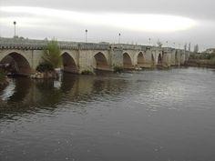 Puente medieval  S-XII - Rio Pisuerga - Simancas (Valladolid)