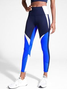 Workout clothes don't have to be boring. Shop on-trend gym clothes from Athleta to look stylish and feel your best. Fitness Outfits, Womens Workout Outfits, Sporty Outfits, Athletic Outfits, Athletic Wear, Fitness Fashion, Running Outfits, Gym Fashion, Classy Outfits