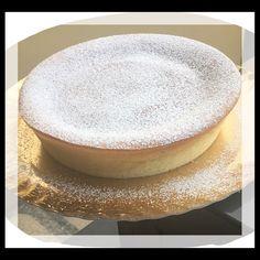 La cheesecake giapponese, conosciuta come Japanese cotton cheesecake, è un dolce che viene dal Sol Levante, buonissimo e soffice come una nuvola!
