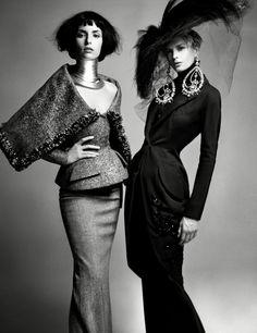Princesse Bundi and Princesse Partabgarh ensembles, autumn/winter 1997 Haute Couture collection. © Patrick Demarchelier