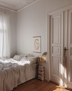 Home Interior Ideas bedroom inspo.Home Interior Ideas bedroom inspo Dream Bedroom, Home Bedroom, Bedroom Decor, Decor Room, Bedroom Lighting, Bedroom Colors, Bedroom Apartment, Bed Romance, European Decor