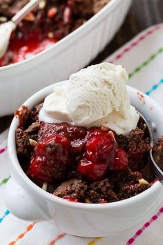 Cherry Chocolate Cobbler is a Cracker Barrel knock-off and it's the perfect ending to a country meal. You're going to want to get out the vanilla ice cream for this one y'all. Serve it warm with a nice big scoop of ice cream and you will be in heaven. Chocolate Cobbler, Chocolate Cherry, Chocolate Desserts, Fresh Peach Cobbler, Fruit Cobbler, Cobbler Recipe, Apple Cobbler, Just Desserts, Dessert Recipes