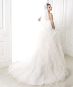 BELIA - Strapless, draped wedding dress.Collection 2015 DREAMS | Pronovias
