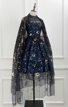 Pretty Outfits, Pretty Dresses, Beautiful Dresses, Old Fashion Dresses, Fashion Outfits, Fashion Clothes, Fashion Accessories, Ball Dresses, Ball Gowns