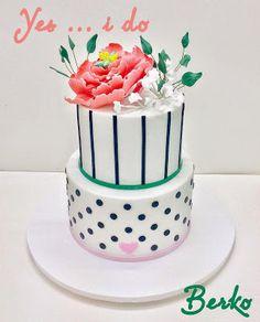 Berko Wedding cake Paris: Wedding Cake Berko™ Peony Flower