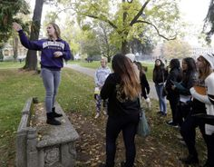 5 questions to ask students on a campus tour