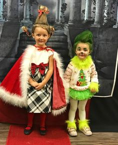 Cindy Lou Hoo and the Grinch. Cindy Lou Hoo an Family Costumes For 4, Best Toddler Halloween Costumes, Family Themed Halloween Costumes, Spooky Halloween Costumes, Halloween Costume Contest, Toddler Costumes, Christmas Costumes, Baby Grinch Costume, Halloween Night