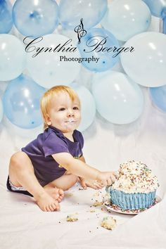 balloon wall BEHIND baby for smash cake (and smash cake on the FLOOR) ..also..blue OMBRE!