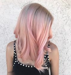 Pinky Peach   (@violetthestylist) op Instagram: 'When the prep work looks this amazing, you know the final result will be jaw dropping. This is the…'