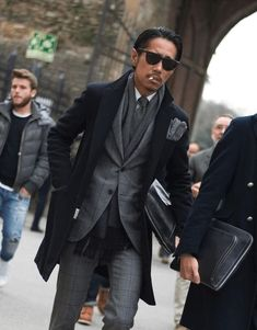 men suits modern -- Click visit link for Mature Mens Fashion, Suit Fashion, Outfits Casual, Mode Outfits, Stylish Men, Men Casual, Suits You Sir, Outfit Man, Dandy Style