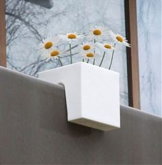 Cool planter, perfect for balconies or small terraces/patios.