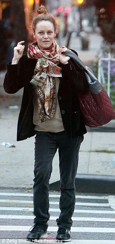 vanessa paradis without make  up. holy cow!!!
