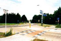 Kruispunt van de Lieropsedijk en Loovebaan, gezien in de richting van van de provincialeweg.