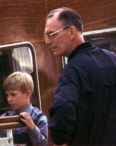 Prince Lennart (then Count Bernadotte) on his yacht at Gripsholm with grandson Friedrich. Greek Royal Family, Swedish Royalty, Time Inc, Under The Influence, Business Class, Isle Of Man, Prince And Princess, Women In History, Being A Landlord