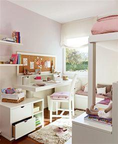 Dormitorio de niña con literas en blanco