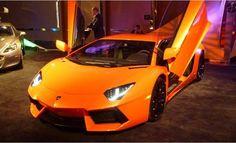 Luxury cars in 'The Gallery' - lujo en elDetroit Auto Show 2012