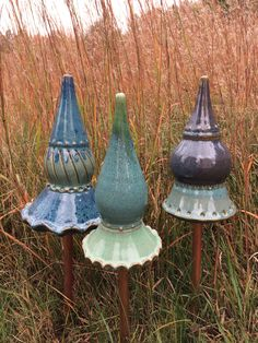 Garden Finials by PaulaBarryCeramics on Etsy Hand Built Pottery, Slab Pottery, Ceramic Flowers, Clay Flowers, Keramik Design, Garden Totems, Garden Deco, Clay Tiles, Pottery Designs