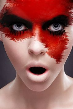 Make Up viso rosso - Halloween make up - Foto Gallery Girlpower. Top Skin Care Products, Best Face Products, The Face, Face And Body, Full Face, Art Visage, Fantasy Make Up, Fantasy Hair, Red Makeup
