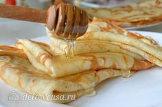 Pancakes with milk (not sure of the Russian name for these? Thin pancakes with milk Cooking Time, Cooking Recipes, My Favorite Food, Favorite Recipes, How To Cook Brisket, Easy Holiday Recipes, Crepe Recipes, Cooking Turkey, Russian Recipes