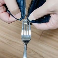 Bra Hacks, Blog Tips, Sewing Hacks, Cleaning Hacks, Helpful Hints, Diy And Crafts, Textiles, Instagram, Broken Zipper