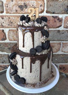 2 tier Oreo drip cake – Famous Last Words Food Cakes, Cupcake Cakes, Mini Cakes, Oreo Cake Recipes, Dessert Recipes, Oreo Torta, 21st Birthday Cakes, Beautiful Birthday Cakes, Crazy Cakes