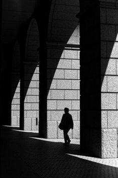 Light and shadow by Mitsuru Moriguchi - Photo 7072028 / Light And Shadow Photography, Dark Photography, Monochrome Photography, Black And White Photography, Street Photography, Gravure Photo, Urbane Fotografie, Shadow Silhouette, Shadow Art