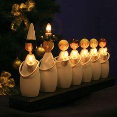 Lucia-kulkue kynttelikkö olohuoneessa