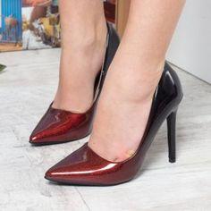 Pantofi stiletto aurii online dating