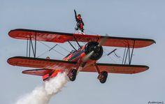 """Τανάγρα: Αεροσκάφη """"ζωγραφίζουν"""" τους αιθέρες!"""