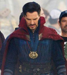 Avengers Infinity War -Behibd the scenes - Benedict Cumberbatch as Steven Strange / Doctor Strange
