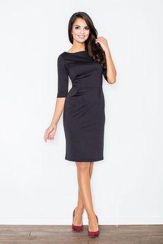 Hladké elegantné šaty, skvelé do práce ako biznis dress code. Kvalitný materiál je zárukou dlhodobého nosenia, šaty ti budú slúžiť veľmi dlho. Naviac je príjemný na dotyk, bude rozmaznávať tvoju pokožku. Ako doplnok krátke sačko alebo cardigan:-)  Dodacia doba cca 10 pracovných dní.Veľkostné tabuľky