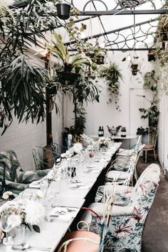How to Plan a Wedding Shower – The Ultimate Guide