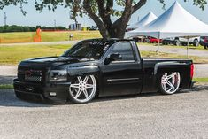 One of our favorite events! Heat Wave Inc is a custom truck and car show promotion company that began in 1989 and was founded by two custom truck clubs in… Chevy Trucks Lowered, Chevy Duramax, Custom Chevy Trucks, Dodge Trucks, Chevrolet Silverado, Pickup Trucks, 2013 Silverado, Silverado Single Cab, Single Cab Trucks