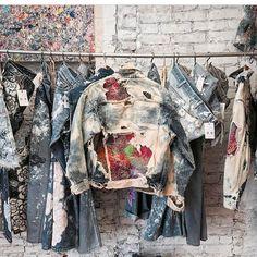Fashion Design Development Shape Ideas For 2019 Painted Denim Jacket, Painted Jeans, Painted Clothes, Diy Camisa, Denim Art, Men's Denim, Denim Style, Looks Jeans, Estilo Hippie
