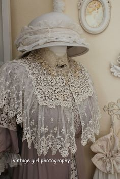 Vintage Girl~ beautiful lace shawl~ Just look at all the detail in that lace. Lots of work went into that shawl!