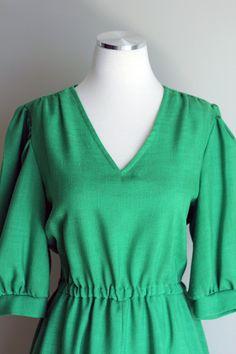 Kelly Green, linen dress.