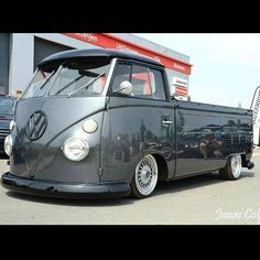 "com vwvwvwvwvwvwvwvw VW BUS FEATURES ONLY vwvwvwvwvwvwvwvw TAG: Feature: Check us out on FB @ ""Skinner Classics VW Restorations"". Your Split Bus Restoration Shop in Northern California 30 years! Classic Trucks, Classic Cars, Kombi Pick Up, Vw T1 Camper, Combi Ww, Combi Split, Vw Pickup, Volkswagen Group, Cool Vans"