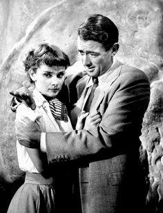 """summers-in-hollywood: """"Audrey Hepburn and Gregory Peck on the set of Roman Holiday, 1953 """" Audrey Hepburn Makeup, Audrey Hepburn Roman Holiday, Audrey Hepburn Born, Golden Age Of Hollywood, Vintage Hollywood, Classic Hollywood, In Hollywood, Hollywood Couples, Hollywood Actresses"""