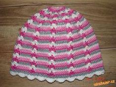 Čepička je háčkovaná přízí Camilla, háčkem 2,5. Každá řada je háčkovaná jinou barvou, já střídala tř... Fingerless Gloves, Mittens, Crochet Baby, Crochet Projects, Headbands, Diy And Crafts, Creations, Cap, Knitting
