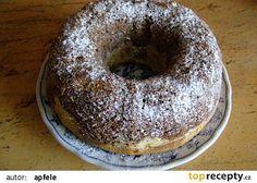 Staročeská olejová bábovka Czech Recipes, Bagel, Baking Recipes, Yummy Recipes, Doughnut, Food Art, Food And Drink, Yummy Food, Bread