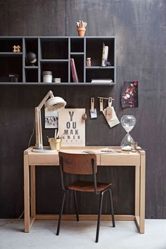 Georganiseerde werkplek | organized workplace | Photographer Dana van Leeuwen | Styling Anke Helmich | vtwonen shop catalog Autumn 2015