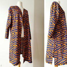 Le kimono dont la coupe ou la longueur peuvent être modifiées selon l'humeur ou la mode est l'un des vêtements...