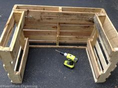 10 Lemonade Stands Made out of Repurposed Pallets • 1001 Pallets