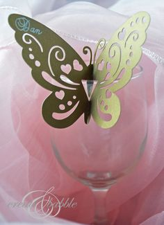 Butterfly Place Cards   Keywords: #butterflyweddings #jevelweddingplanning Follow Us: www.jevelweddingplanning.com  www.facebook.com/jevelweddingplanning/