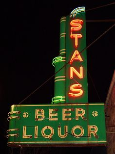 Stans Beer Liquor Neon Sign @ Night - Spring Lake, Michigan - 4/8/09