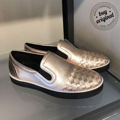 Bottega Veneta 260€  Вся женская #обувь на нашей странице тут ➡️ #ЖенскаяОбувьBuyOriginal  Вся продукция этой марки на нашей странице тут ➡ #BottegaVenetaBuyOriginal ••••••••••••••••••••••••••••••••••••••••••• Заказ и консультация по номеру WhatsApp/Viber☎️+393450327567 ••••••••••••••••••••••••••••••••••••••••••• #покупкионлайн #инсташоппинг #онлайнбутик #онлайншоппинг #personalshopper #шоппер #баер #байер #instashopping #шоппинг #онлайншопинг #шопинг #шопер #онлайнпокупки #онлайнмагазин…