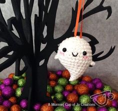 (4) Name: 'Crocheting : Baby Ghost Ornaments for Halloween